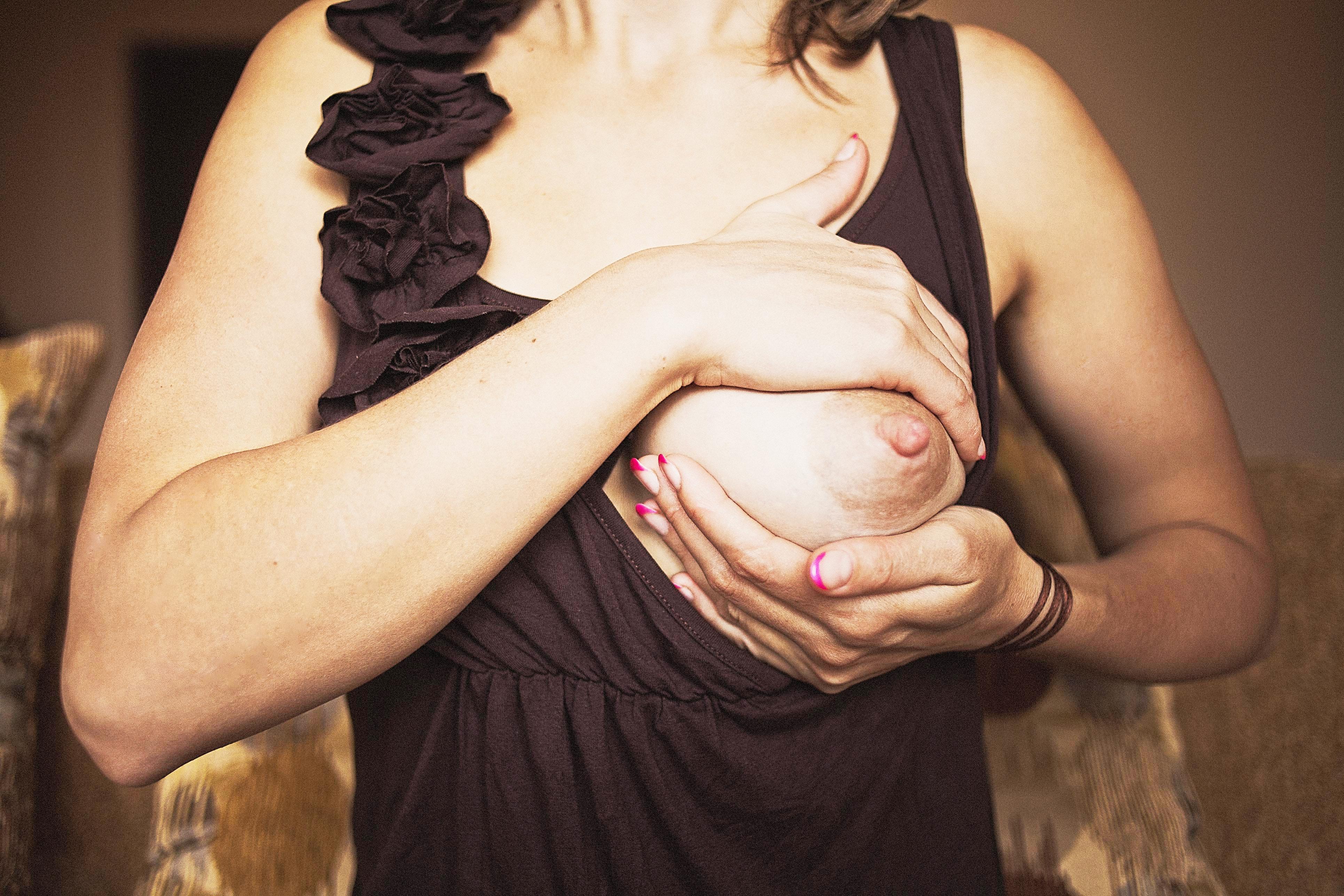 ручное сцеживание грудного молока