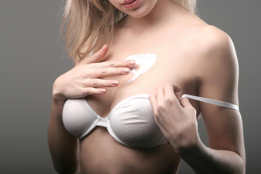 Как облегчить зуд груди