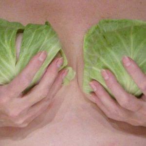 Как лечиться капустным листом при лактостазе и мастите