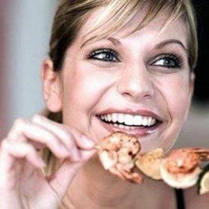 Креветки и другие морепродукты во время ГВ: можно или нет?