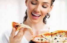 Вредные вкусности во время ГВ: можно ли есть шашлык и пиццу
