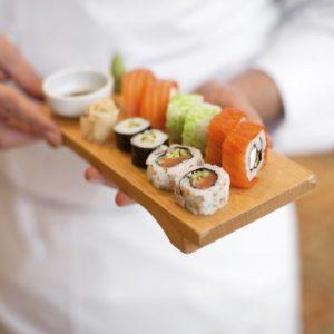 Можно ли есть суши и роллы во время грудного вскармливания