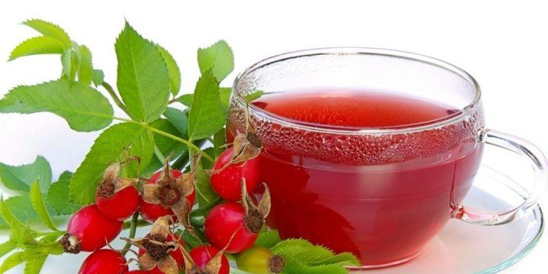 чай из листьев брусники, шиповника и березовых почек